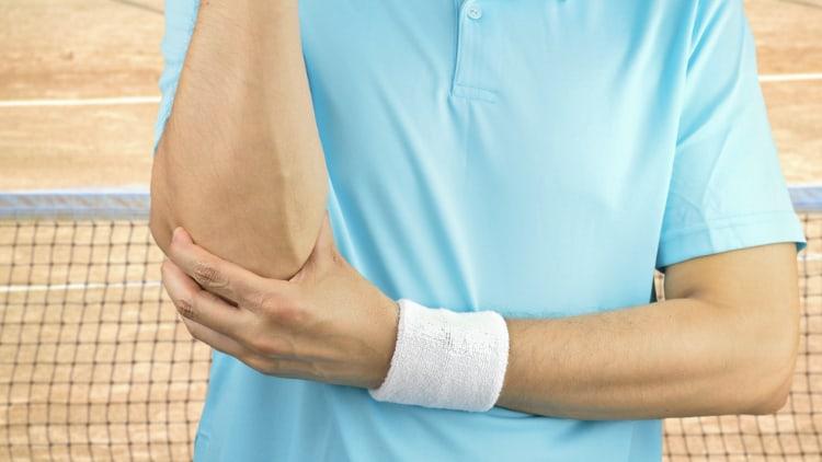 Injured tennis player