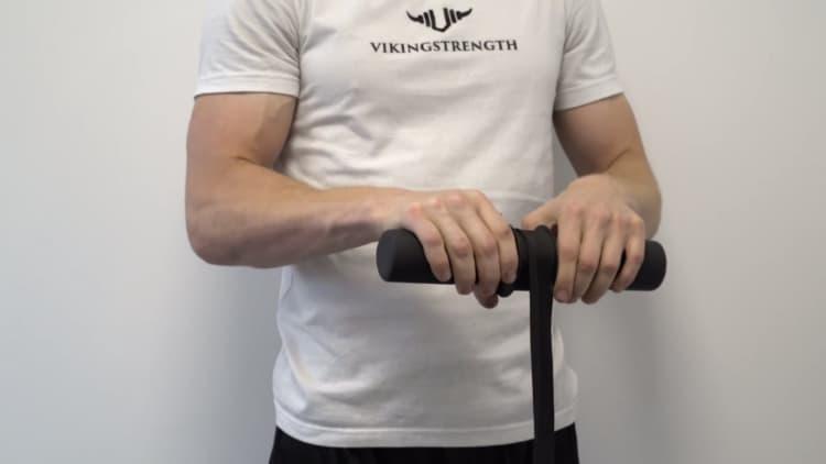The Vikingstrength Wrist Roller in action